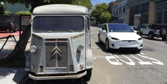Alt versus Neu: Citroën und Tesla Model X