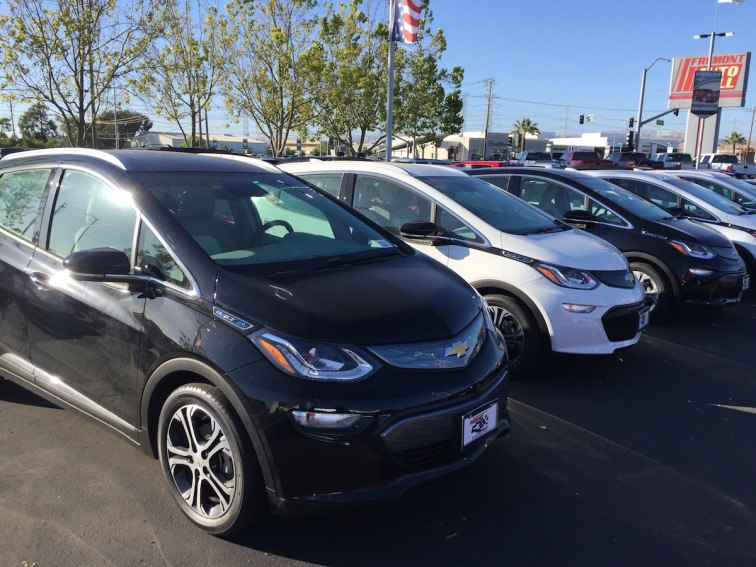 Chevrolet_Bolt_Dealer_13