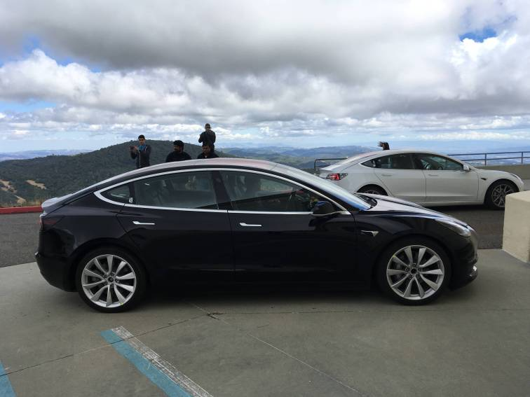 Tesla_Model_3_13