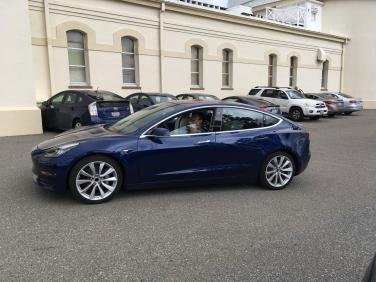 Tesla_Model_3_23
