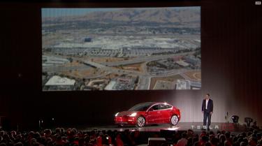 Tesla_Model3_Handover_Event_12
