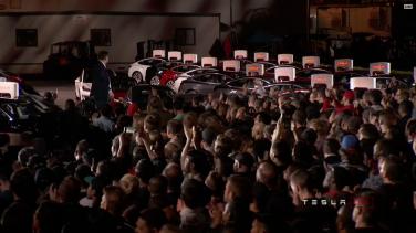 Tesla_Model3_Handover_Event_28