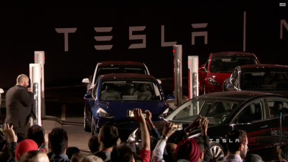 Tesla_Model3_Handover_Event_32