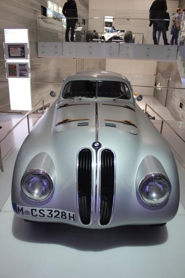 BMW_Welt_Autos_06