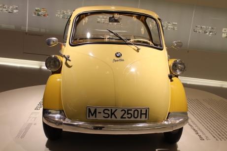 BMW_Welt_Isetta_02