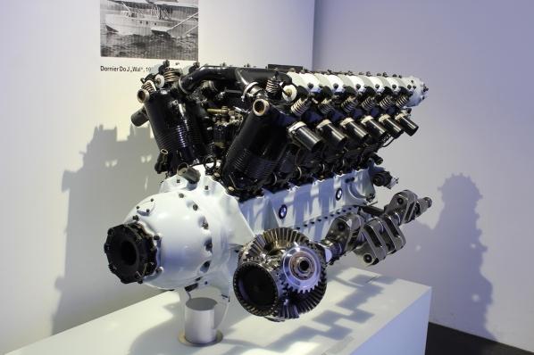 BMW_Welt_Motoren_05