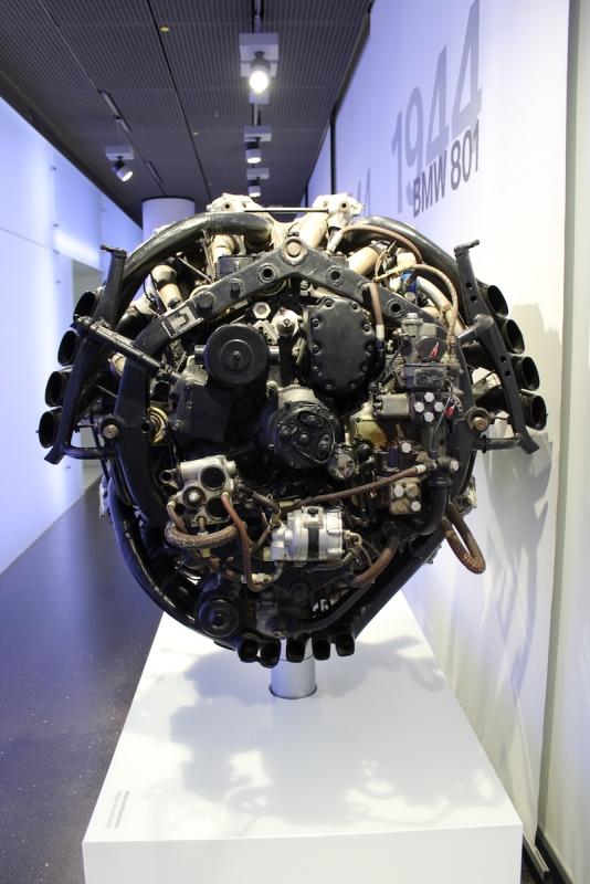 BMW_Welt_Motoren_06