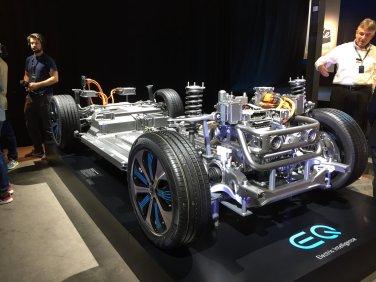 Mercedes_EQC_01